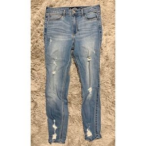 Hollister Ripped Light Wash Jeans Cropped